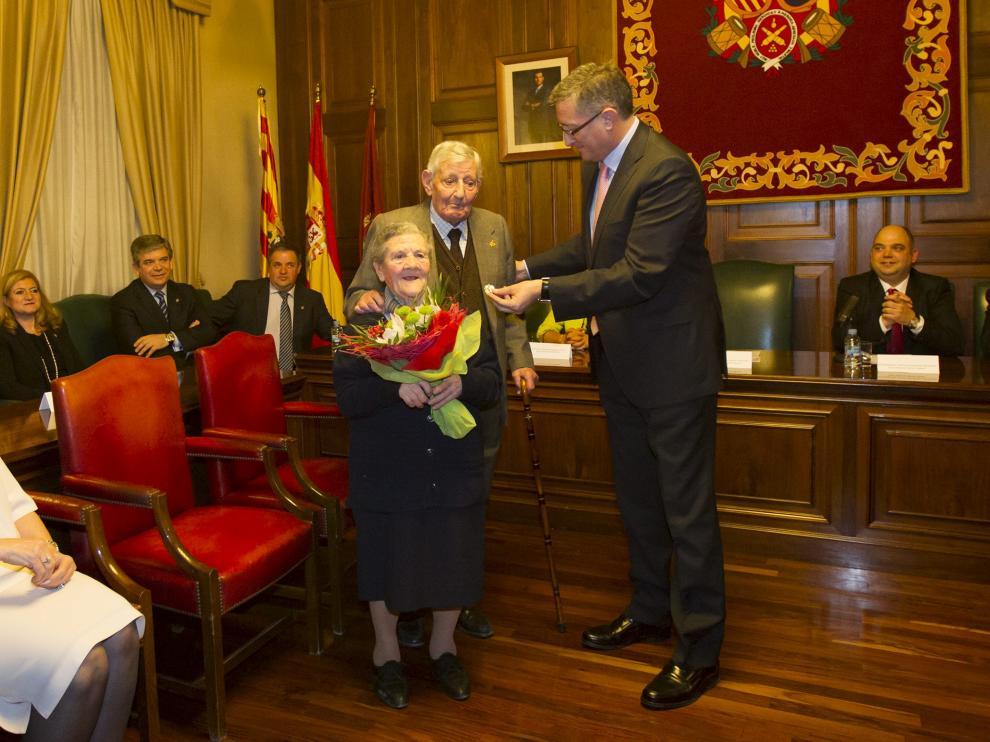 El Pastor de Andorra y su mujer recibieron la medalla de platino