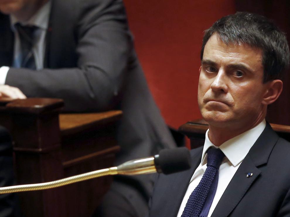 La derecha francesa presenta una moción contra el Gobierno del socialista Manuel Valls