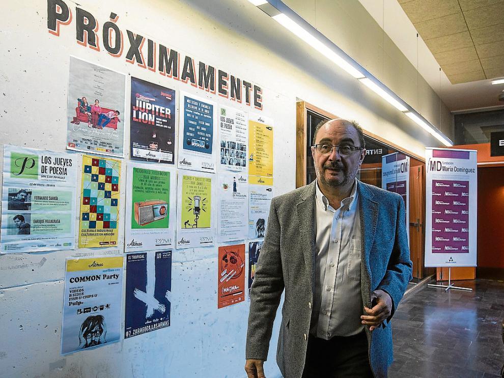 El líder del PSOE, Javier Lambán, ayer, en el Centro Las Armas de Zaragoza.