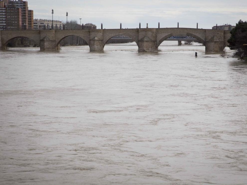 El Ebro a su paso por Zaragoza este martes