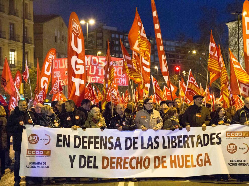 Sindicalistas de UGT y CC.OO se movilizan contra la Ley Mordaza