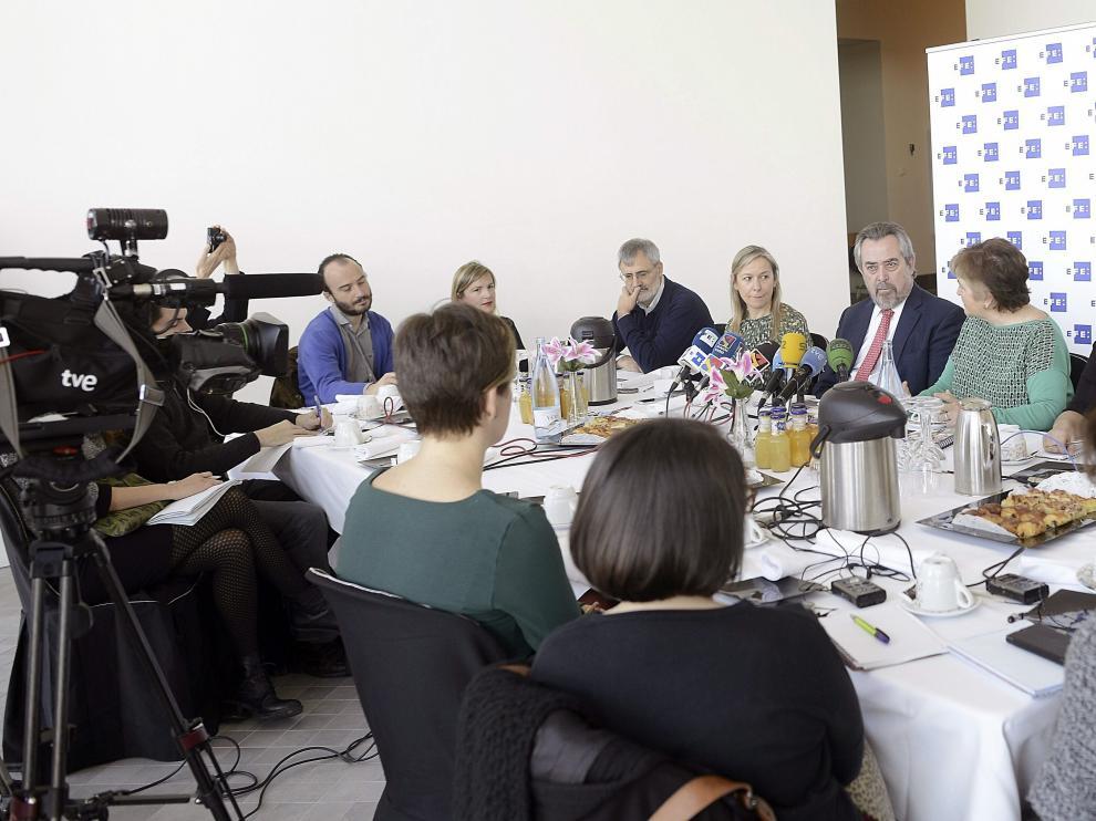 Belloch participó en un café de redacción organizado por la Agencia EFE