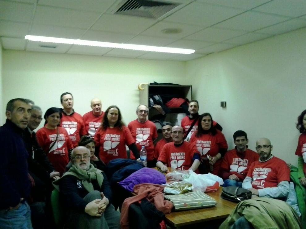 Encierro de afectados por la Hepatitis C en el hospital Clínico de Zaragoza.