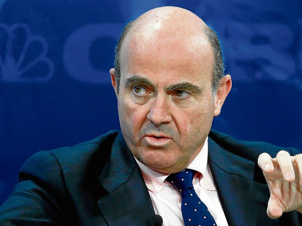 El ministro español de Economía, Luis de Guindos, ayer en Davos.