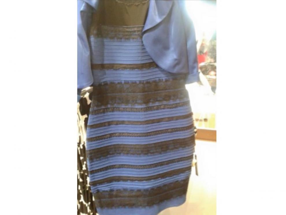 De Qué Color Ves Tú Este Vestido