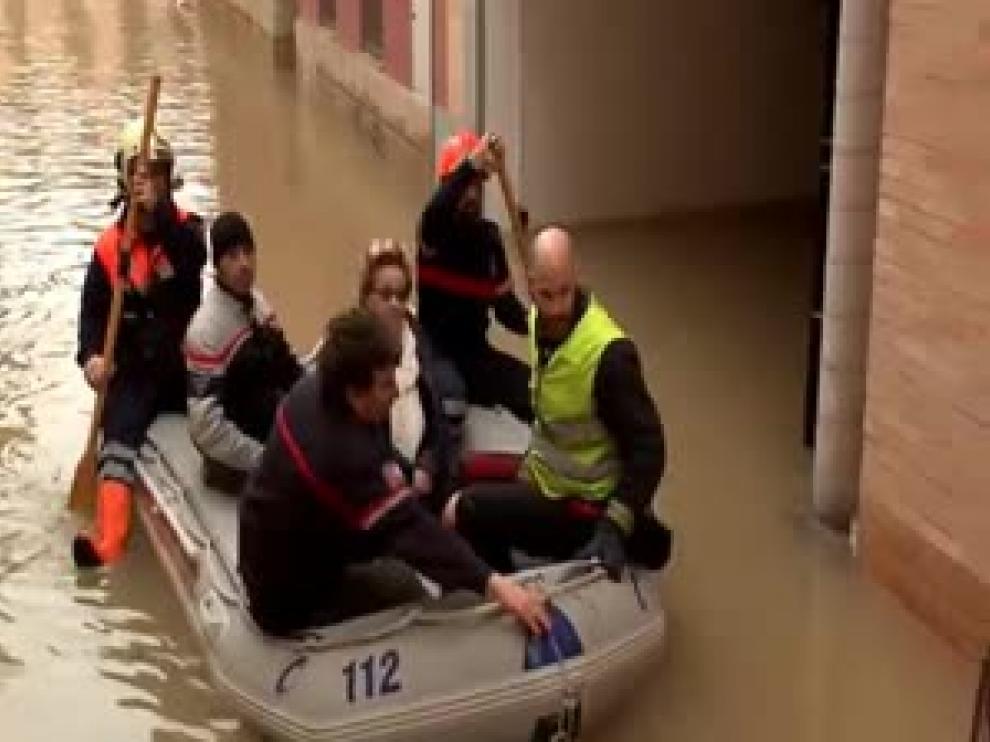 Calles inundadas en el Casco Viejo de Tudela