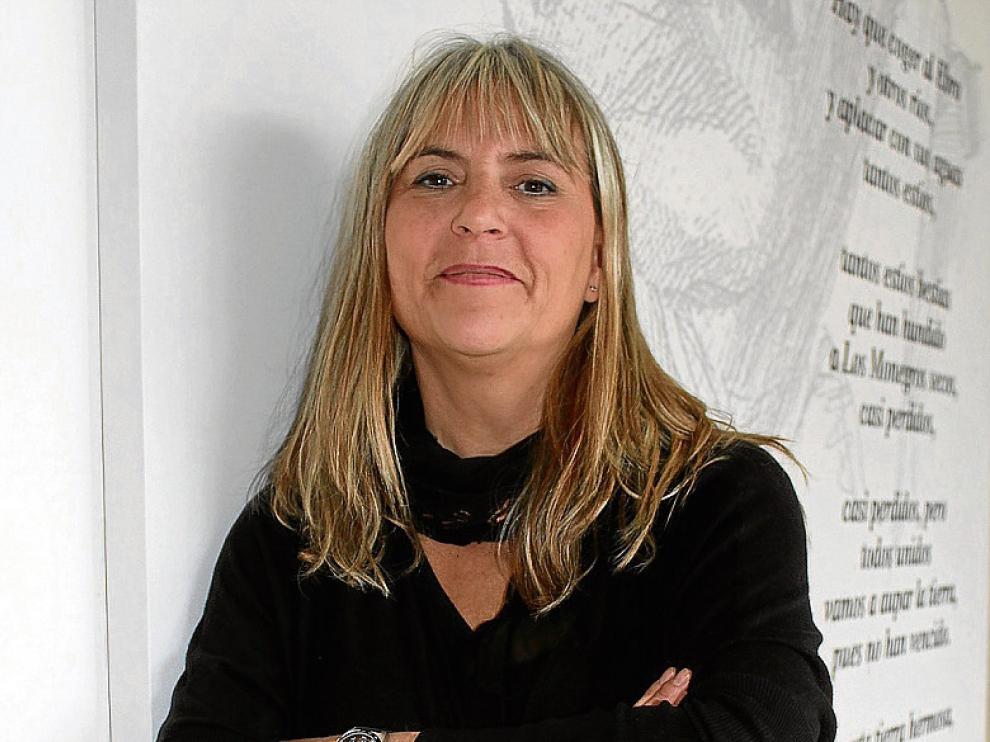 La profesora María Ángeles Millán, ayer en Sariñena.
