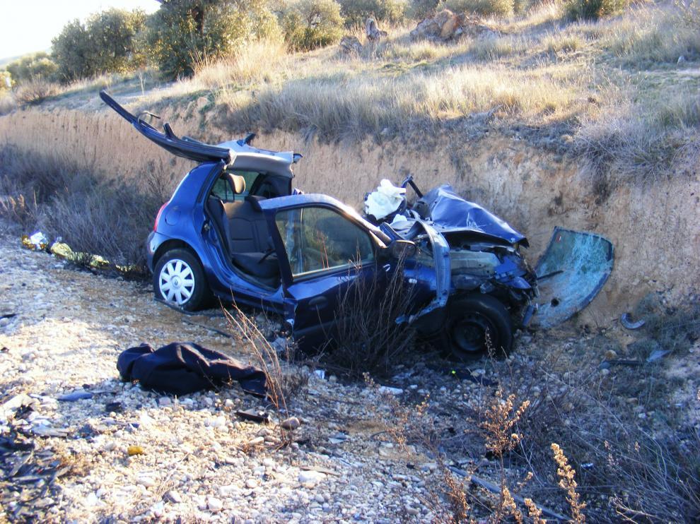 Así quedó uno de los coches implicados en el accidente