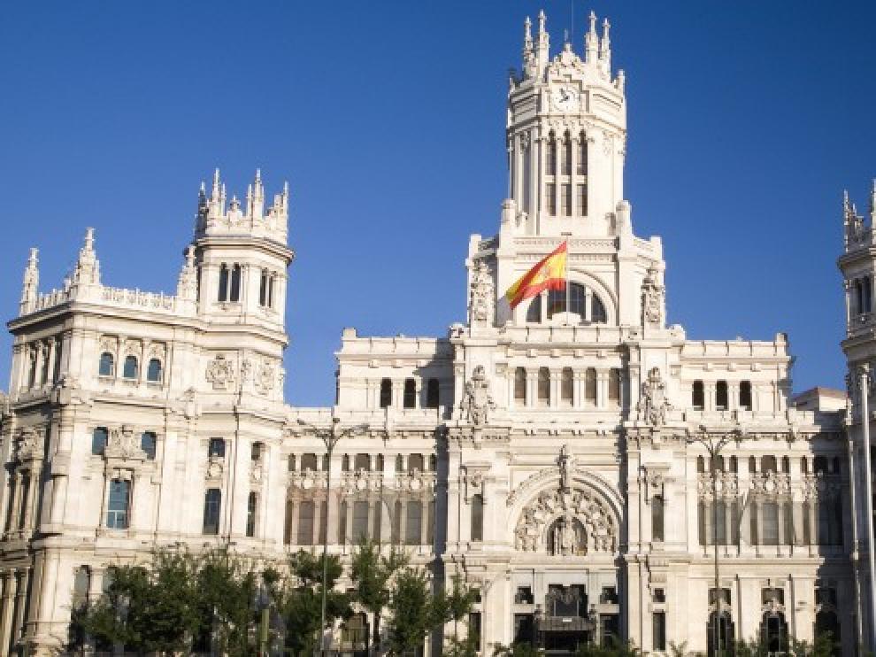 Aguirre pLanea cambiar la sede del Ayuntamiento. Pasaría de estar en el Edifico de Correos a la Casa Cisneros