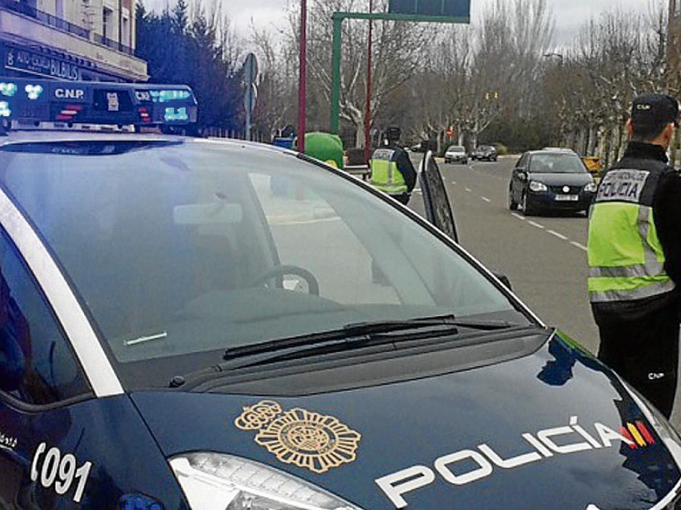 Control policial en el que se detuvo al presunto agresor y a su pareja en Calatayud.
