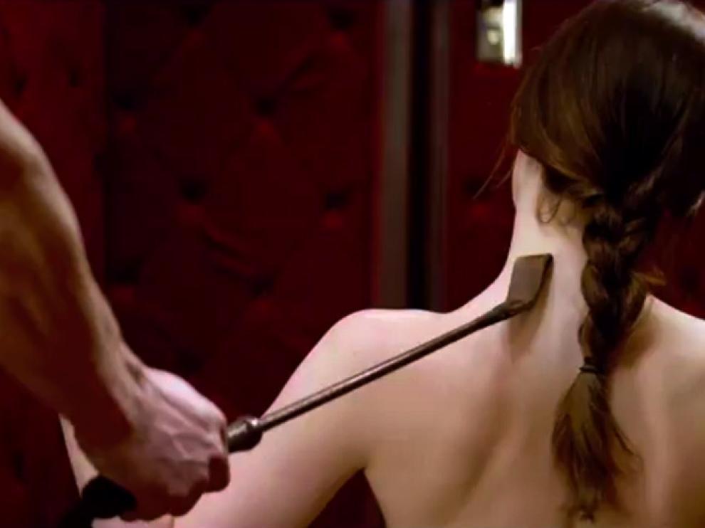 Dakota Johnson, en un fotograma de la película '50 sombras de Grey'.