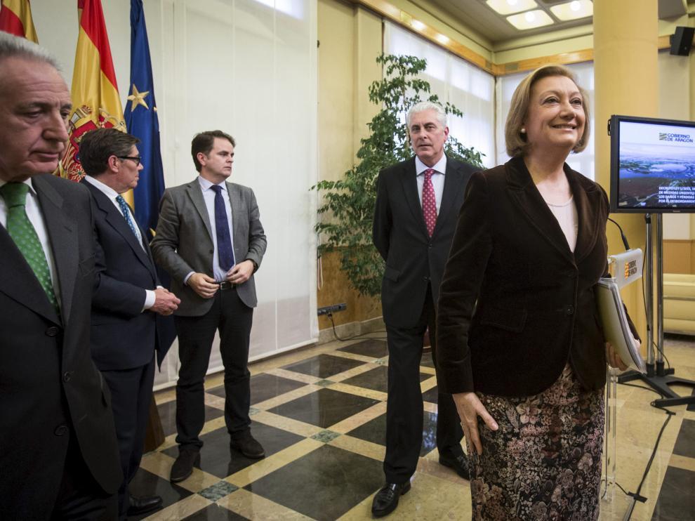 Luisa Fernanda Rudi en el Consejo Extraordinario de Gobierno sobre la crecida del Ebro