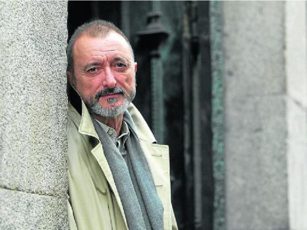 El escritor Arturo Pérez-Reverte presentará, en breve, su nuevo libro, una intriga histórica.