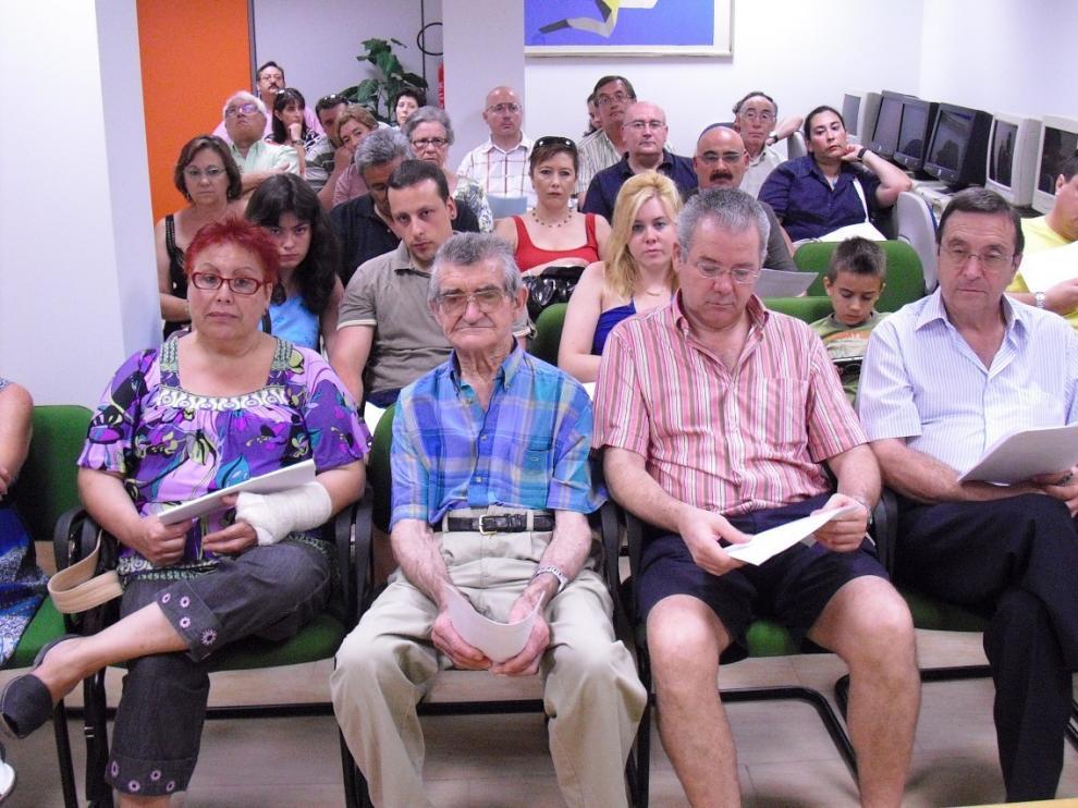 Varios afectados por enfermedades del sueño, entre ellos Carlos Marchena, participan en un taller de Asenarco, en Zaragoza.