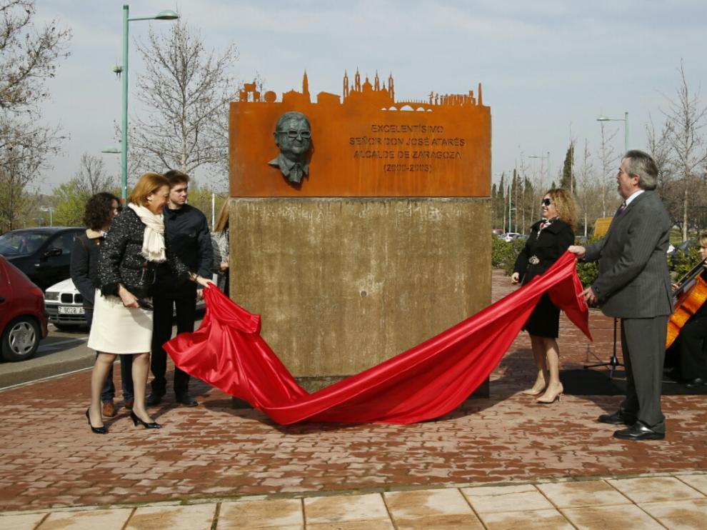 Inauguración del memorial de José Atarés en Zaragoza