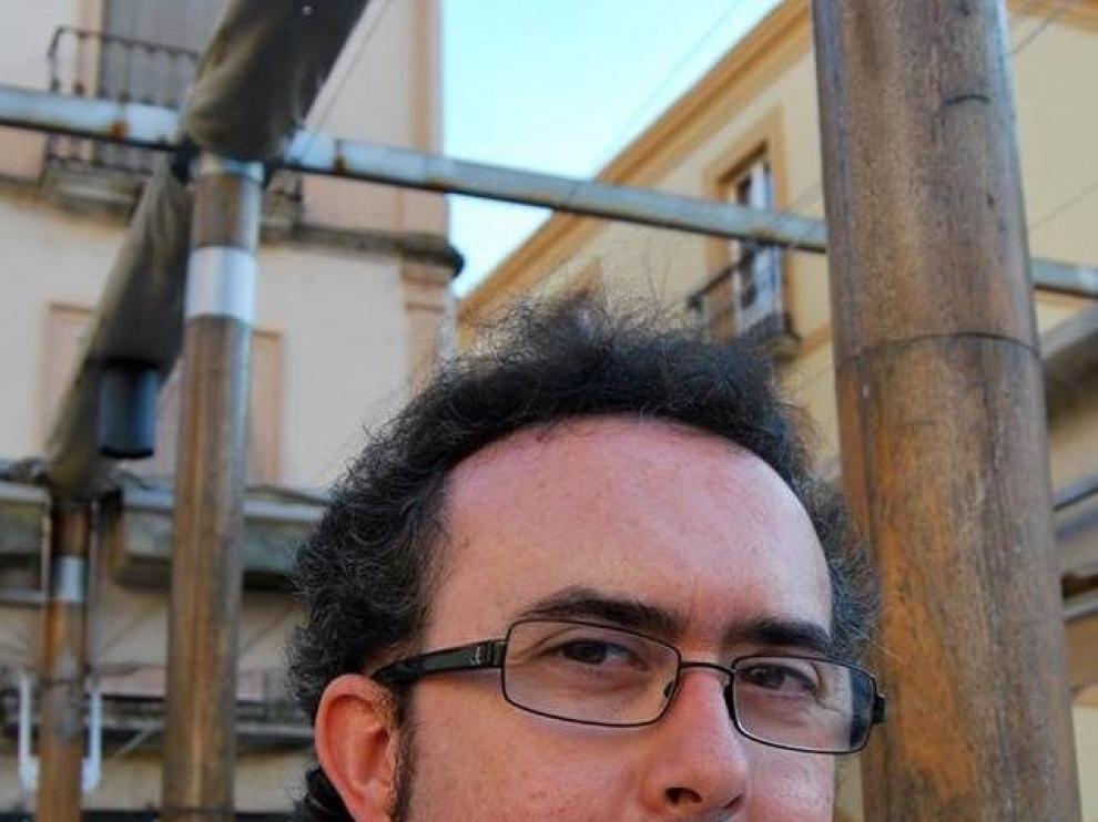 El escritor Ángel Gracia