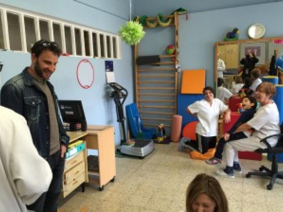 Dani Rovira, en el colegio San Martín de Porres de Atades