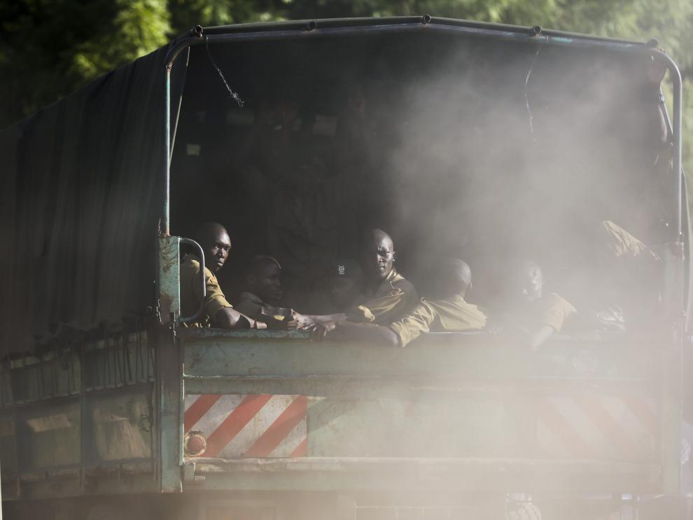 Fuerzas de seguridad de Kenia, tras el atentado de la Universidad