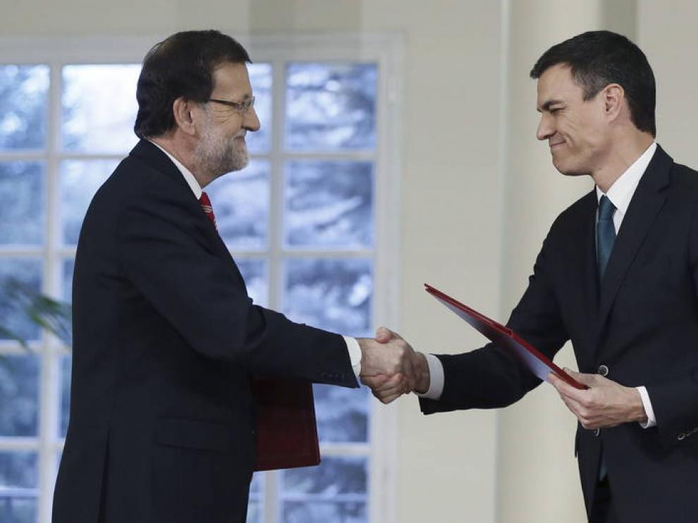Foto de archivo de Rajoy y Pedro Sánchez