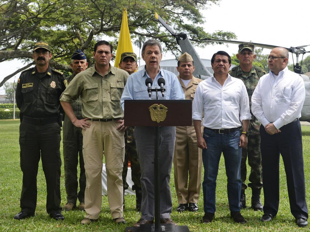 Suárez Santos ordena reanudar los bombardeos contra las FARC.
