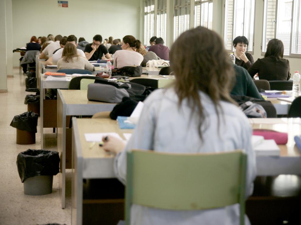 Sala de estudios de Filosofía y Letras.