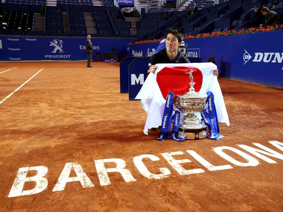 Nishikori después de haberse proclamado ganador