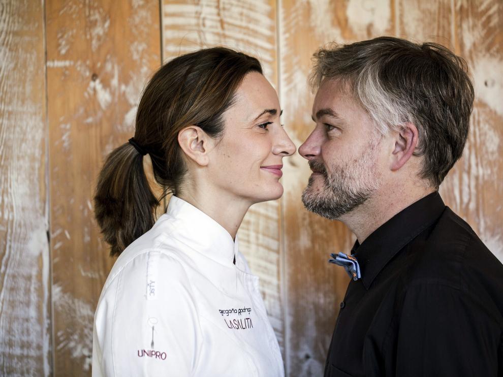 La cocinera española Begoña Rodrigo junto a su marido y jefe de sala, Jorne Buurmeijer