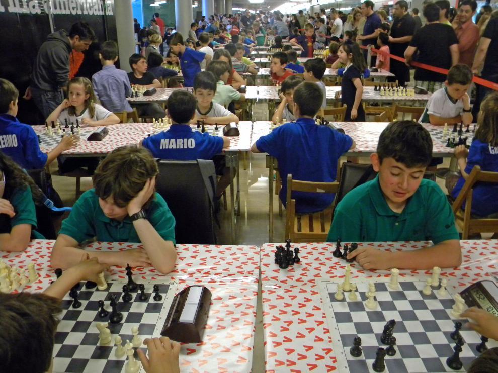Los niños ajedrecistas logran mejores resultados académicos, sobre todo en matemáticas y comprensión lectora.