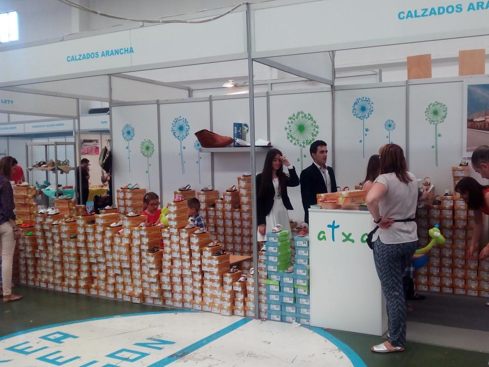 Feria Expo-Calzado en el pabellón polideportivo de Brea de Aragón.