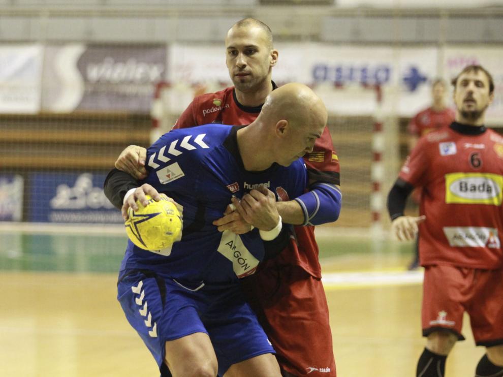 El Bada Huesca contra el BM Aragón durante un encuentro pasado.