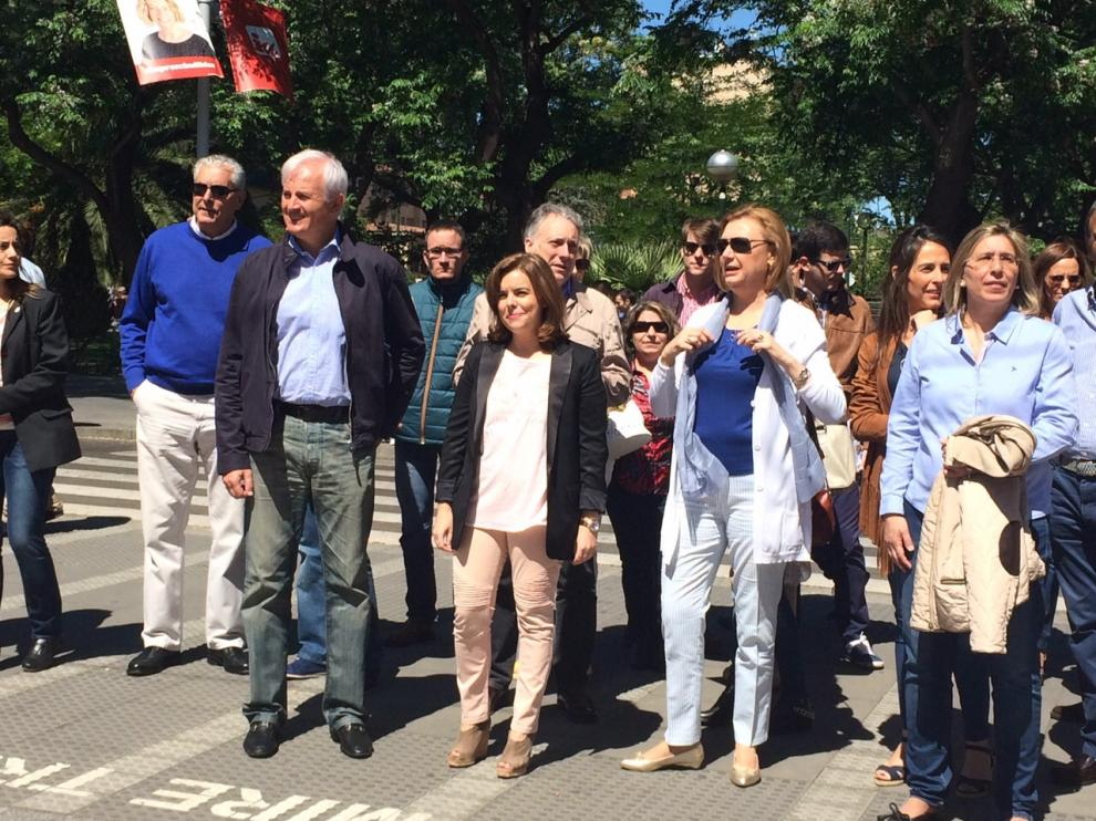 Soraya Sáez junto a los candidatos aragoneses en el parque Grande