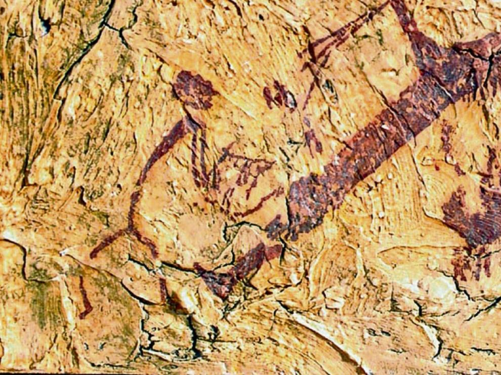 3 Foto 1. Imagen de lo que podría ser un hombre tocando la lira en una pintura rupestre de El Cerrao (Obón, Teruel).