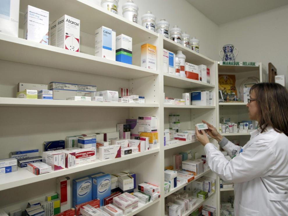 Los farmacéuticos siempre buscan alternativa ante la falta de un medicamento.