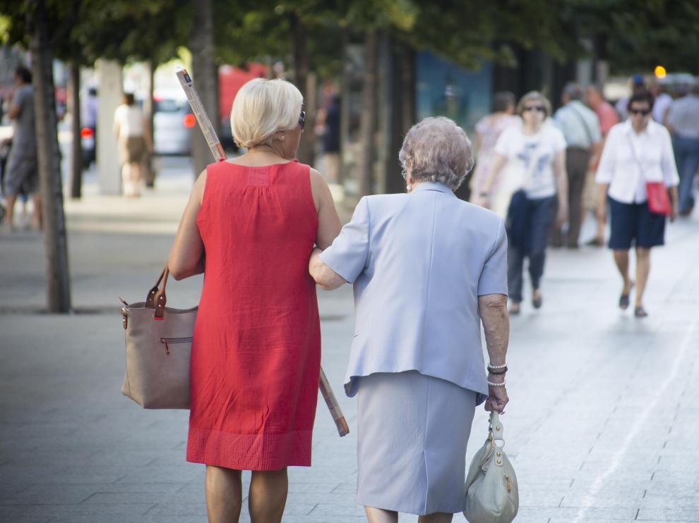 Las personas mayores son las principales usuarias de las ayudas domiciliarias.