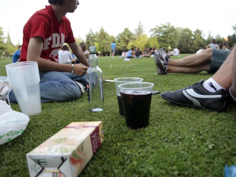 Botellón en el parque de La Dehesa, en una imagen de archivo
