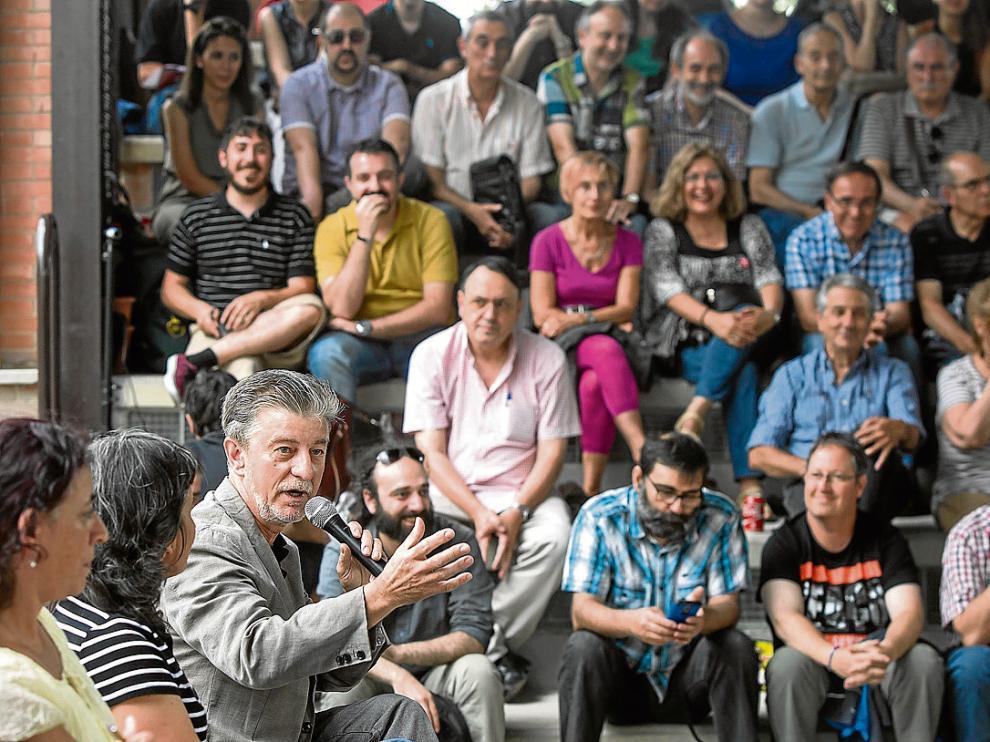 Pedro Santisteve, ayer, en la asamblea ciudadana celebrada en el centro cívico TíoJorge.