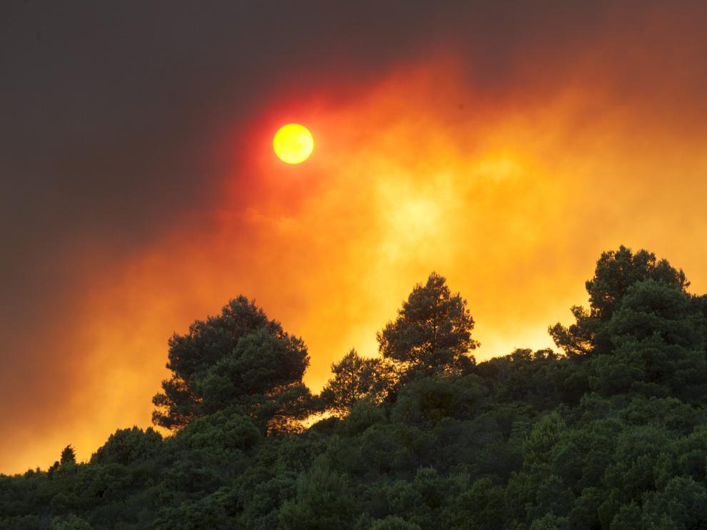 Incendio de las Cinco Villas, desde el término municipal de Orés.
