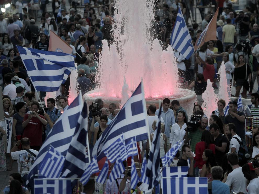 Grecia se planta ante la Troika