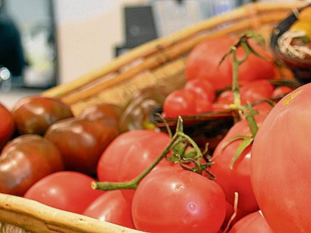 El tomate es uno de los ingredientes básicos de un buen salmorejo.