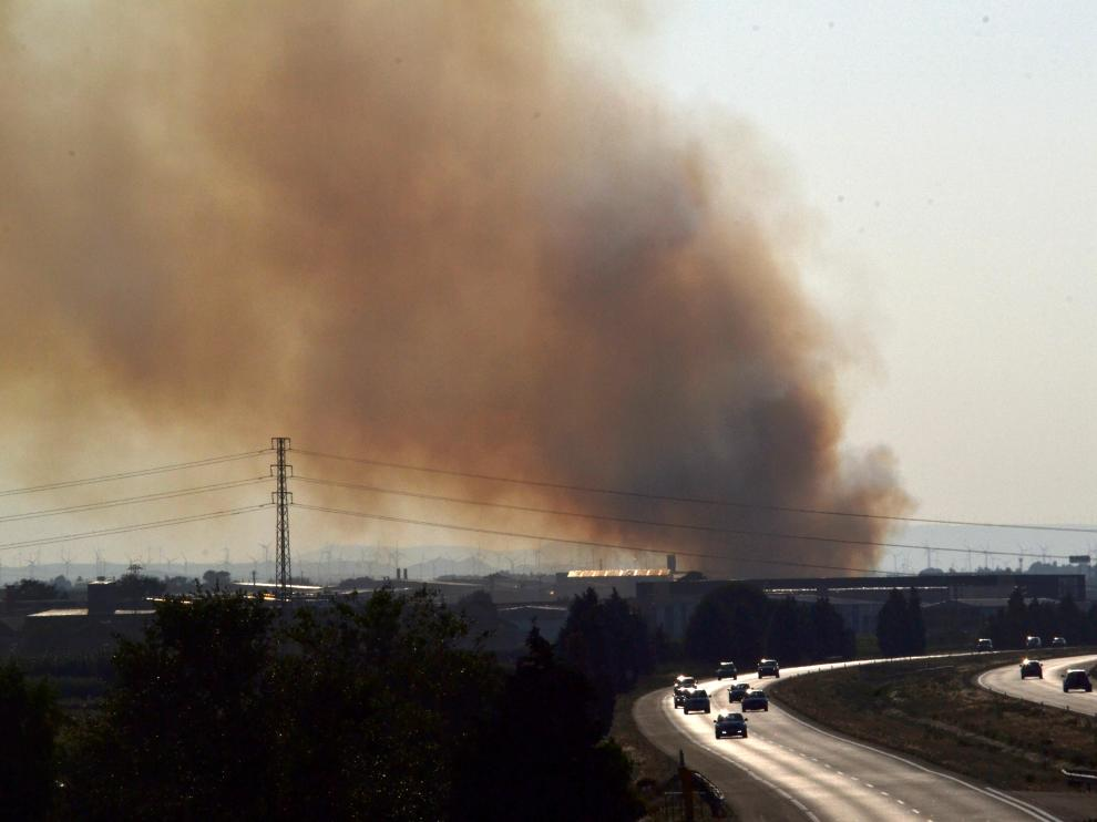 Incendio de unas pacas de paja en Sobradiel