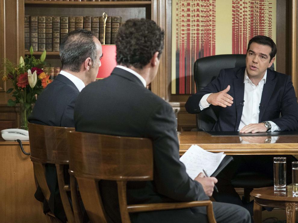 Tsipras en la entrevista para la televisión pública griega.