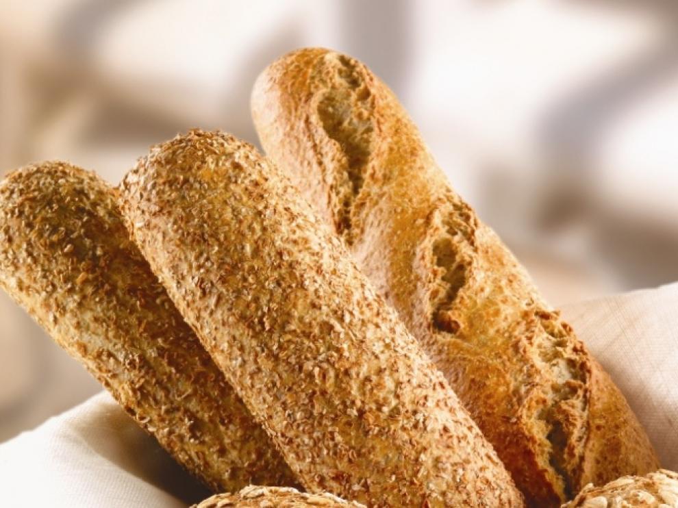 El pan integral es un alimento básico en una dieta sana y equilibrada