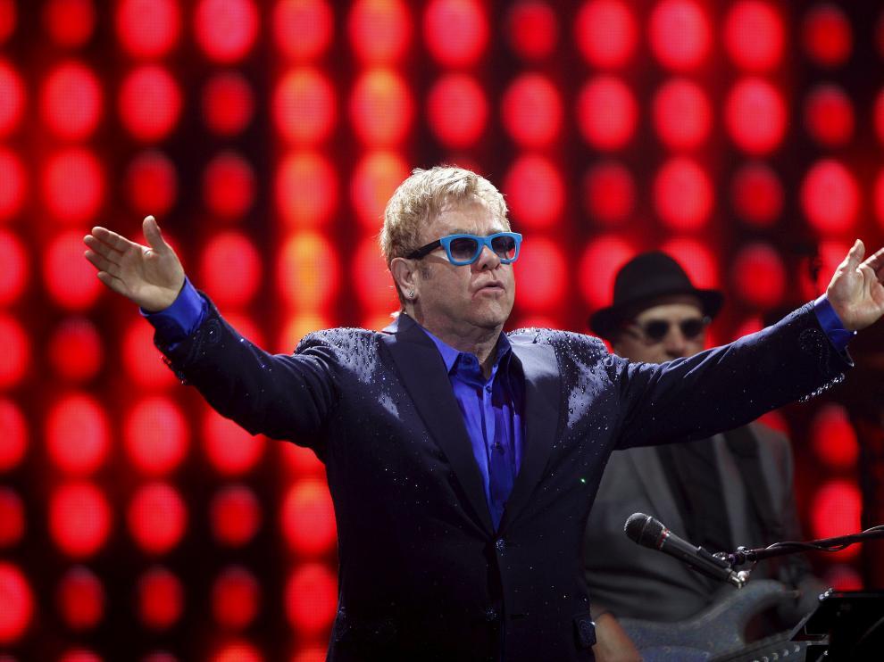 El cantante británico Elton John durante su concierto en Málaga.
