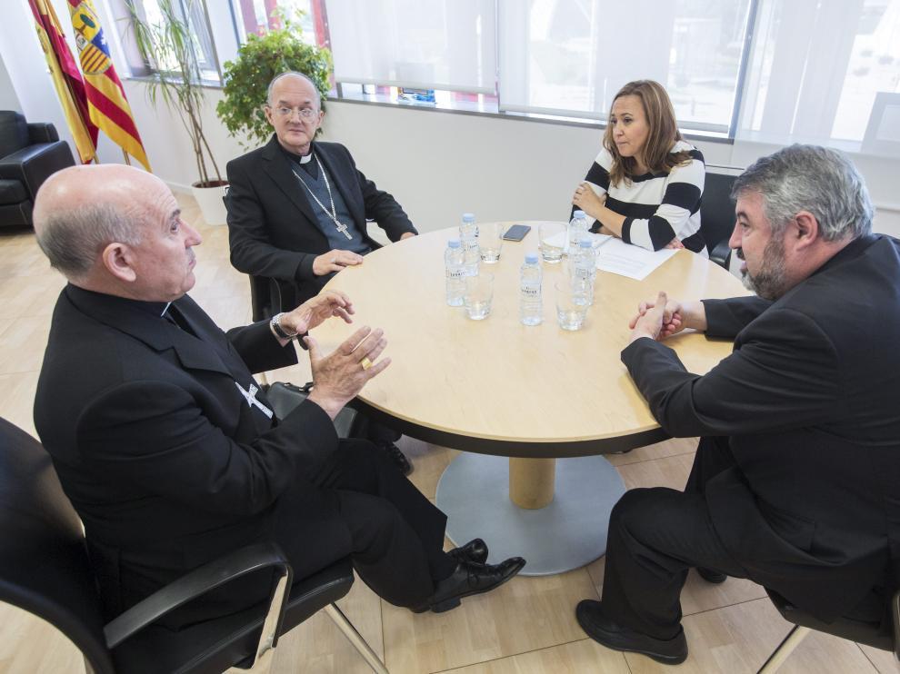 Reunión de Mayte Pérez este lunes con los obispos de Zaragoza, Huesca y Teruel.