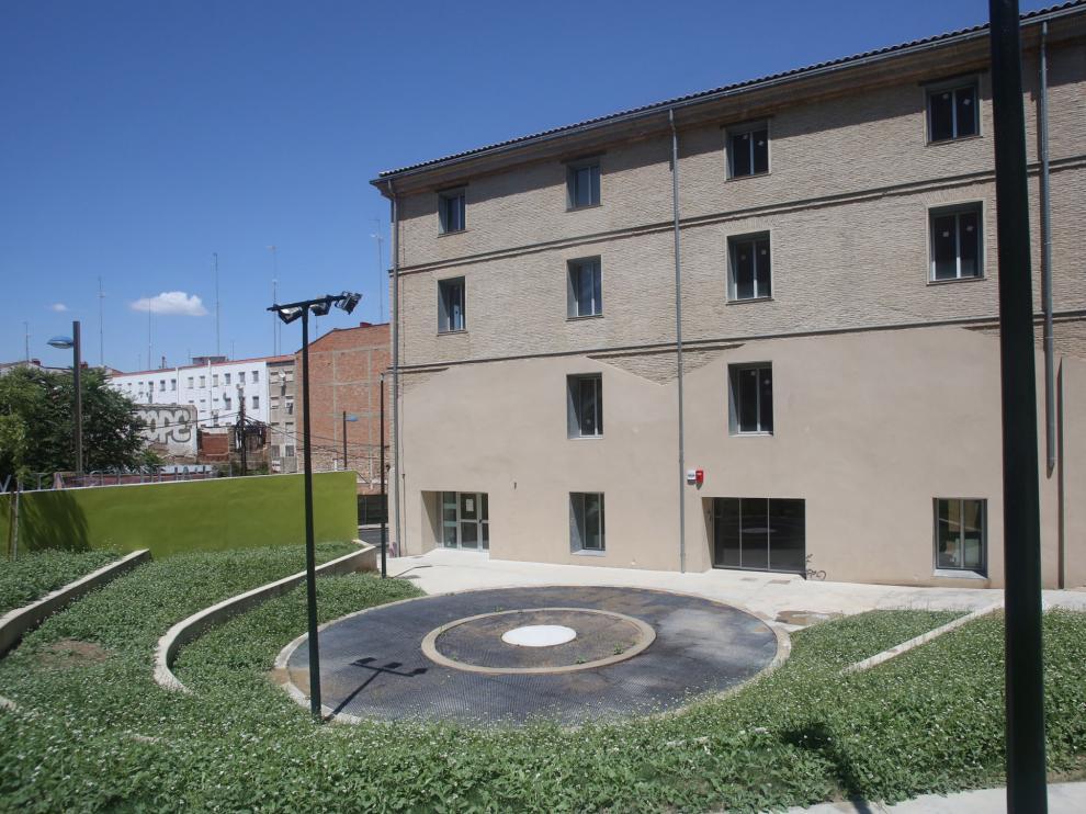 El jardín del edificio La Harinera, en Zaragoza