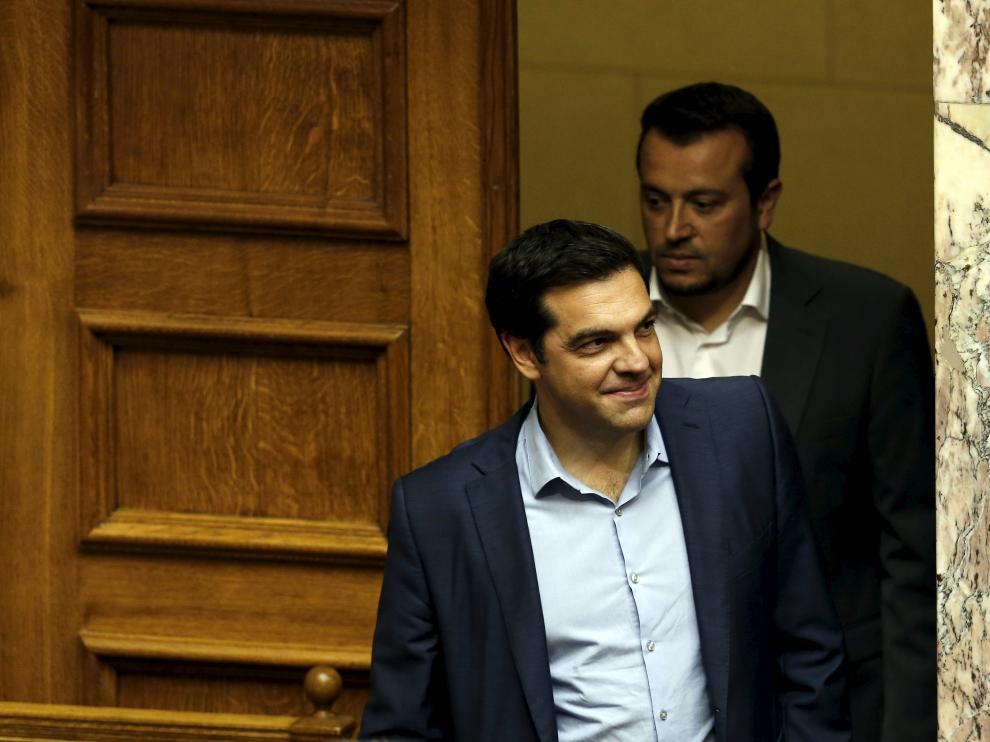 Tsipras en su llegada al Parlamento.