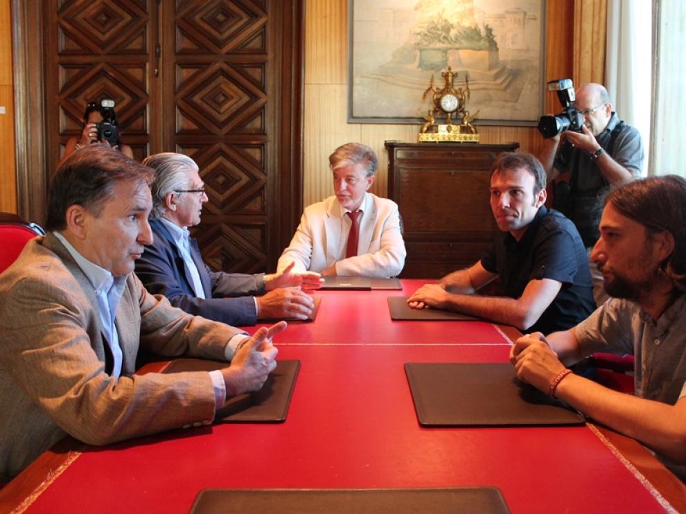 El Ayuntamiento y el Real Zaragoza acercan posturas sobre el proyecto Romareda.