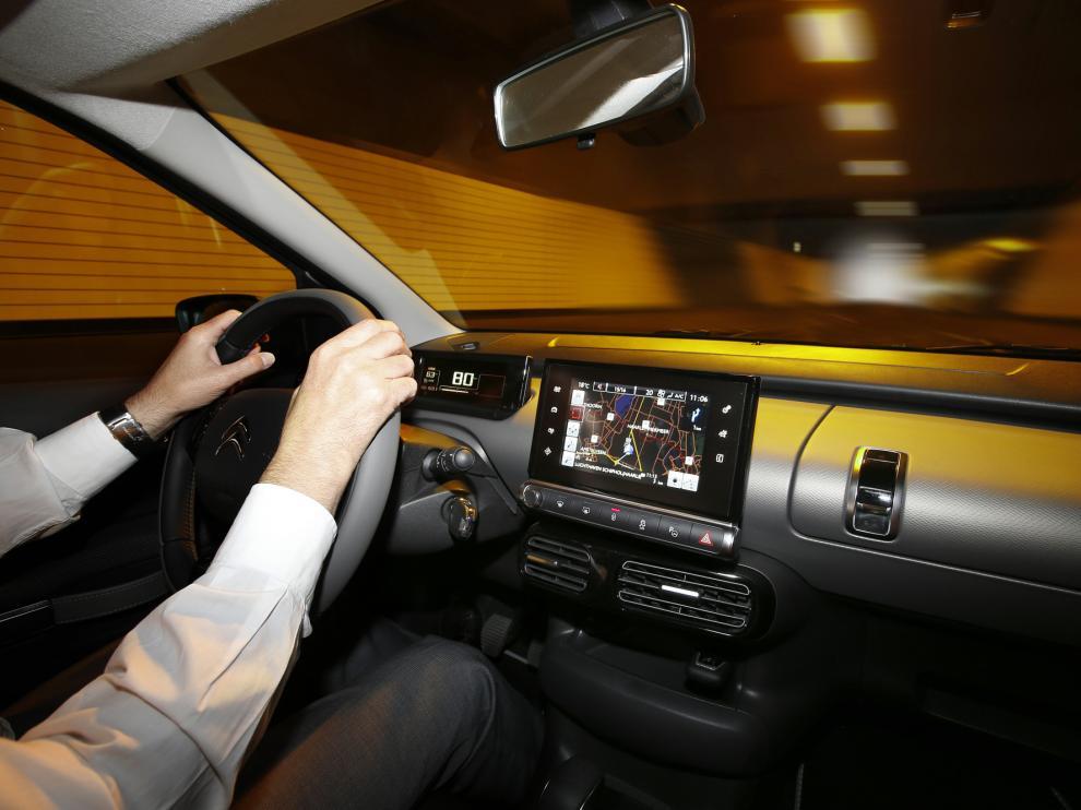 Un coche con GPS integrado.