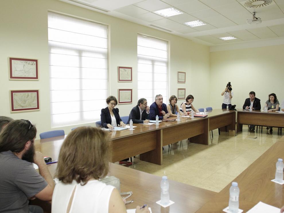 Reunión de la DGA y los afectados por la contaminación del Gállego