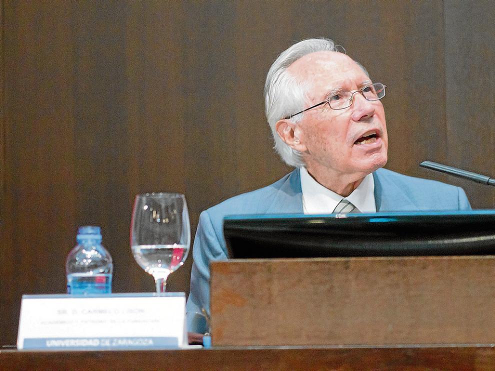 Carmelo Lisón, durante la presentación de la fundación en Zaragoza en 2012.